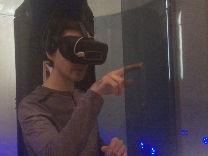 Enri, probando las Oculus Rift